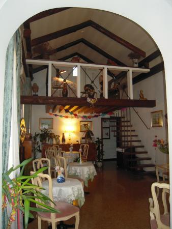 Ca' Riccio: salone della colazione
