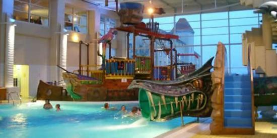 Swimming pool photo de h tel explorers magny le hongre - Explorer hotel paris swimming pool ...