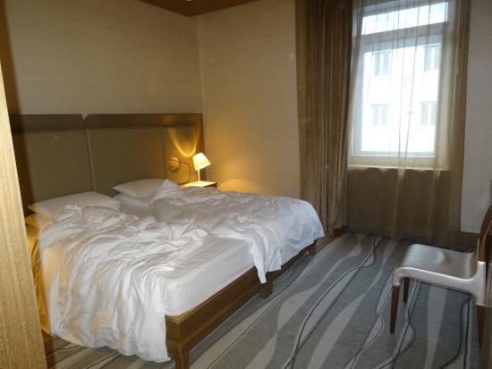 Grand Hotel Europa: Double Bedroom
