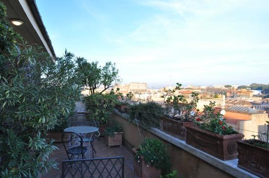 Hotel Lancelot: Balcony at Hotel