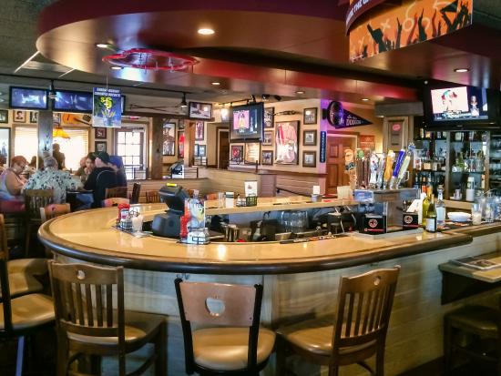The Bar at Applebee's Red Bluff