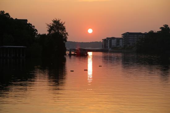 Point Randall Resort: Sunrise