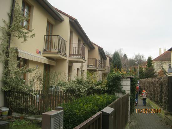 Hotel Prokop: Рядом с отелем, уютные домики