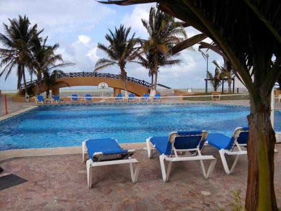 Hotel Reef Yucatan All Inclusive Convention Center Camastros
