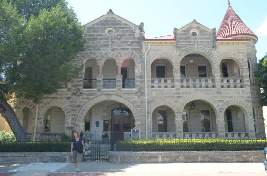 Hill Country Museum - Schreiner Mansion: la facciata principale