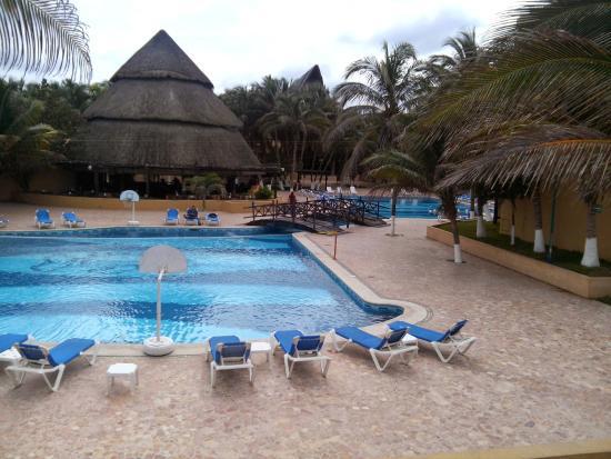 Hotel Reef Yucatan All Inclusive Convention Center Piscina