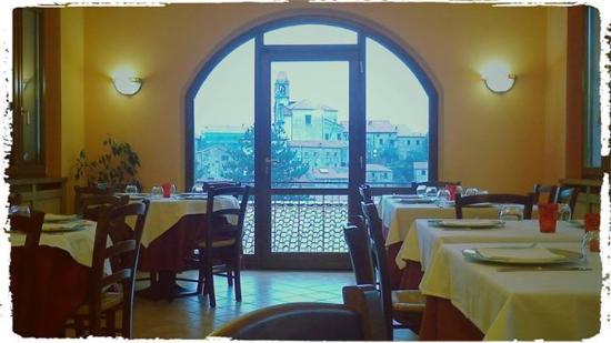 Hotel Restaurant Pizzeria El Caracol