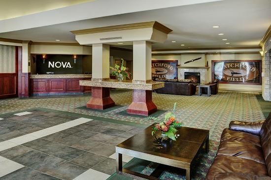 Chateau Nova Kingsway: Lobby