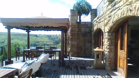 Wild Horses Lodge : the place