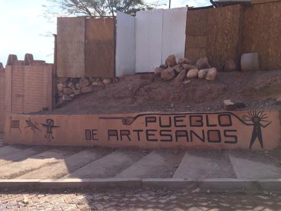 Sector Pueblo De Los Artesanos Acá Esta El Terminal De Buses De San Pedro Picture Of Turismo Caur San Pedro De Atacama Tripadvisor