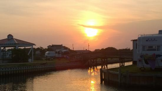Hatteras Sands Campground: Sunset from Campground