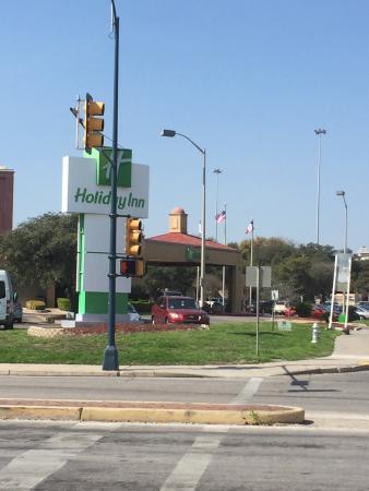 Holiday Inn San Antonio Downtown Market Square : Street view