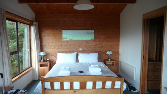 Kimi Ora Eco Resort: Chambre à coucher