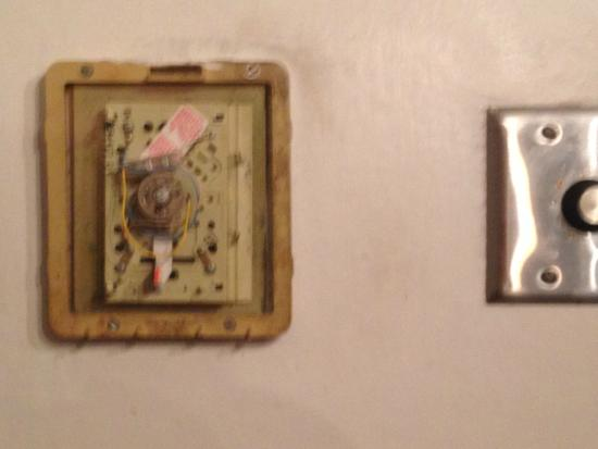 Crystal River Seafood: thermostat in private dining room