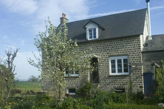 Saint-Symphorien-des-Monts, Francúzsko: La Nesliere Organic B&B Normandy