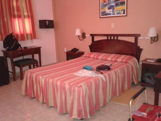 Hotel Isla de Cuba : Bedroom