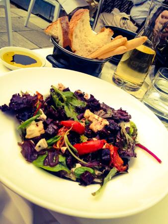 De Luca Cucina & Bar: summer menu's beetroot salad