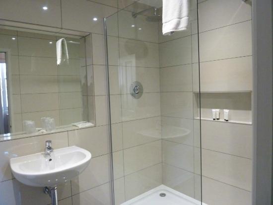 The Edgar Townhouse: room 17 Bathroom