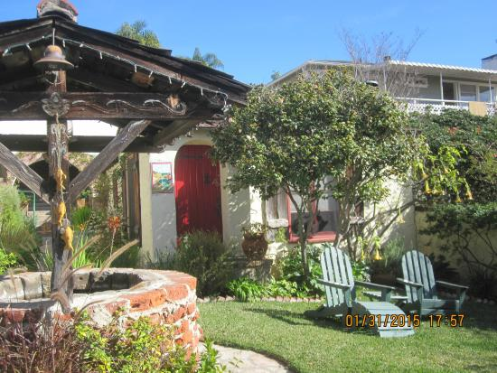 Manzanita Cottages: Red Cottage