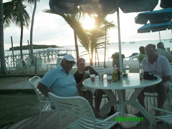 Dive Guana : Fishers Bay from Grabbers At Sunset Beach