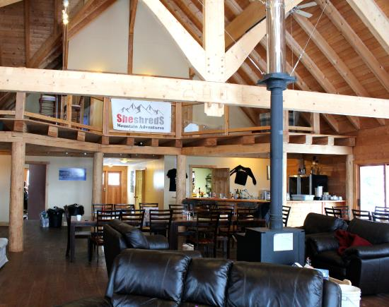 Grizzly Lodge: Post and beam construction in our common area.