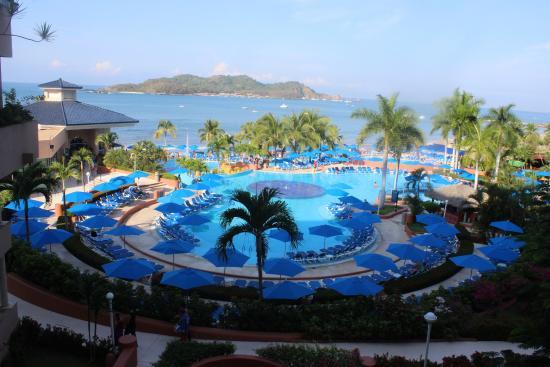 Azul Ixtapa Beach Resort & Convention Center: area de albercas