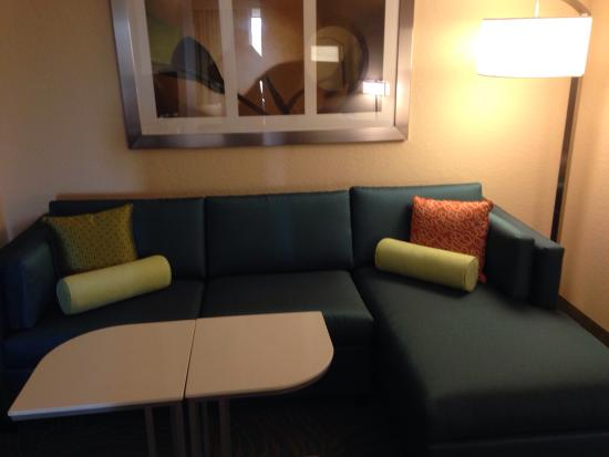 SpringHill Suites Fort Myers Airport: Seating area in a double bed room