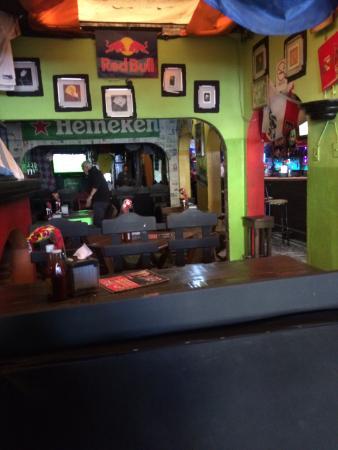 LOS ARCOS Reds Sports Bar