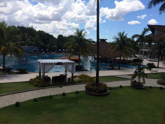 Complexo de piscinas aquecidas com hidromassagem picture for Cataratas para piscinas