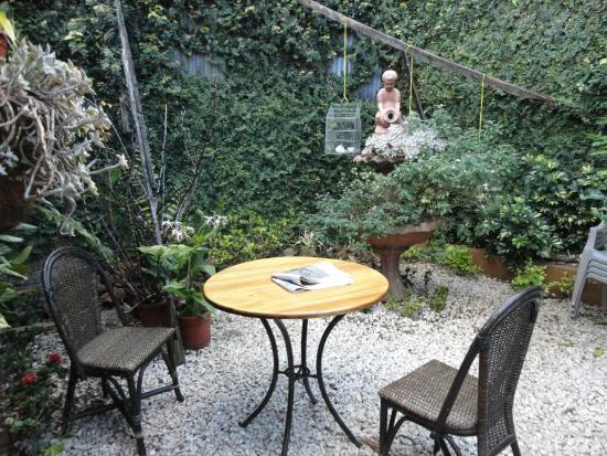 Angels Hotel: Jardín