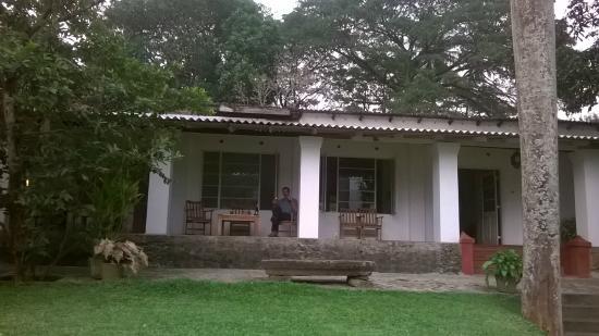 Polwatte House: façade