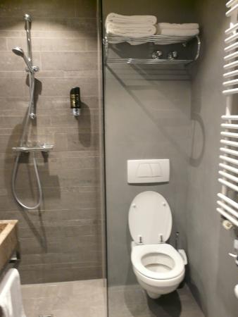 Cityden Museum District City Suites: Banheiro