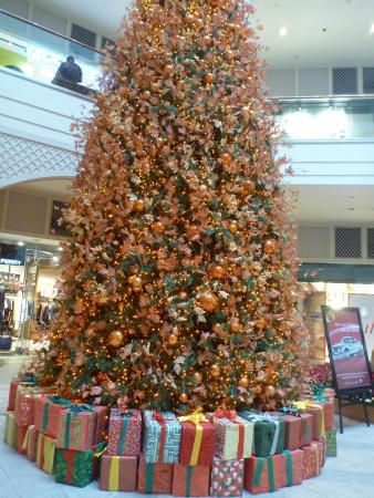 Power Plant Mall: Christmas Tree
