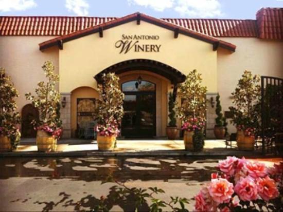 San Antonio Winery: Store Front