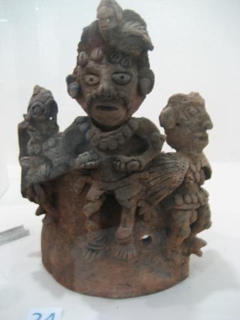 Museo de Arqueologia: 2 Mayan Artifact from Nebaj Area