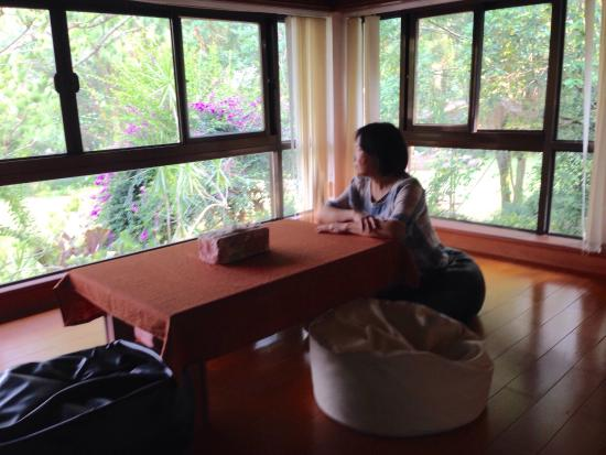 Nantou Puli Pines Garden B&B: Owner