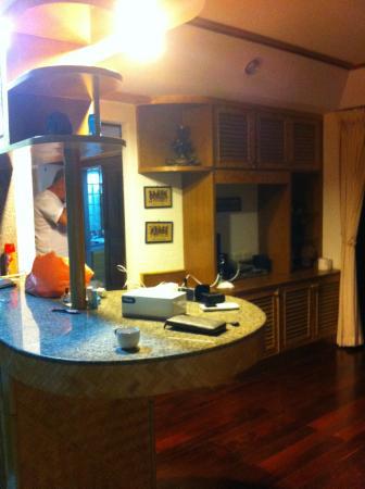 Cucina con angolo cottura - Foto di Bougainvillea Terrace House ...