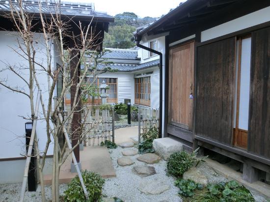 Whaling Group Owners House, Nakao Residence: 中庭からの眺め