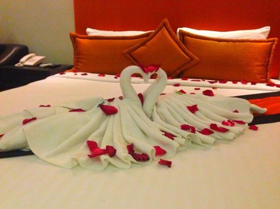 Reveal Courtyard: Honeymoon Decoration Room.