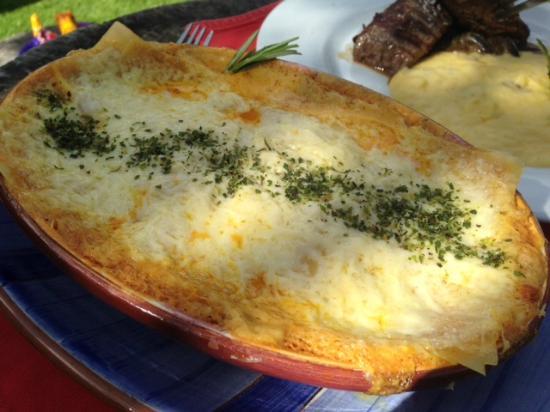 Qanela Restaurante: Una de las especialidades del lugar... Lasagna