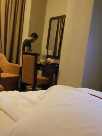 Swiss-Belhotel Kendari: Bedroom
