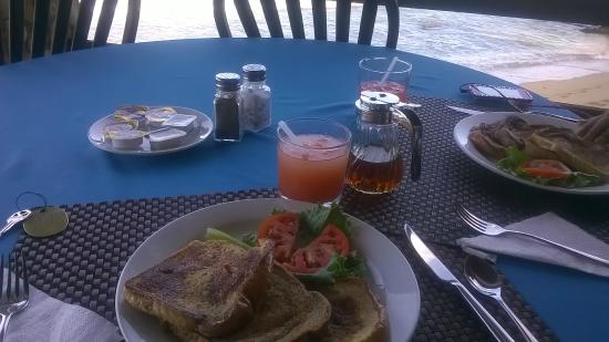 Sandy Point Village: Breakfast - tasted awesome!