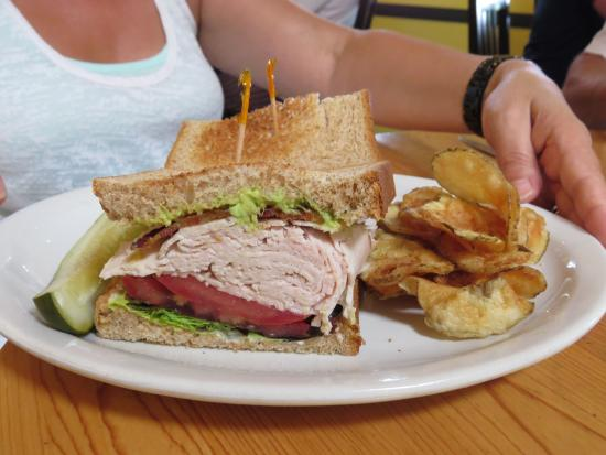 Market Fresh Bistro: turkey club sandwich