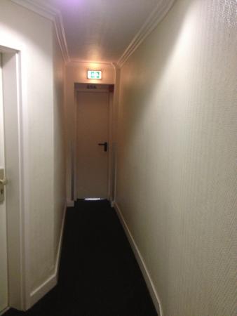 Hotel Tourist Frankfurt: Way to room 50A