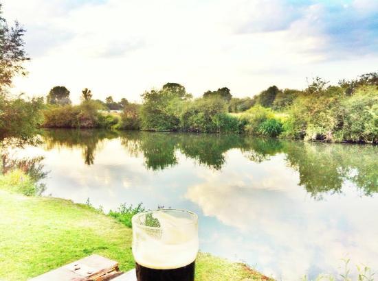 The Ferryman Inn: sat right on the river