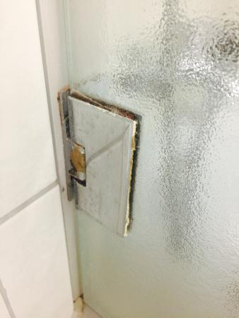 Leonardo Hotel Köln: Duschabtrennung