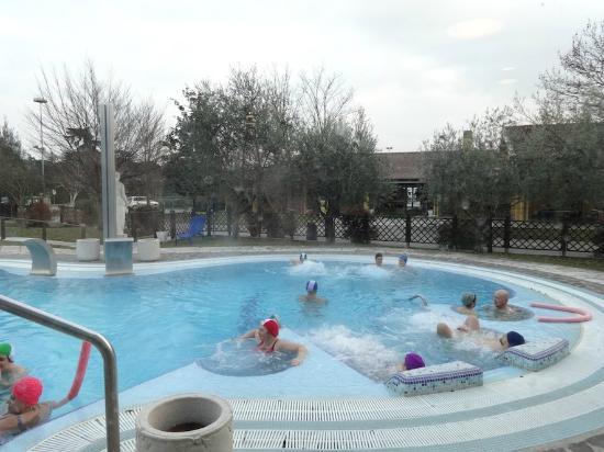 1 delle due piscine esterne calde foto di spa at - Piscine esterne ...