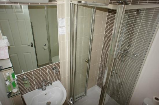 Stracey Hotel : Room10 bathroom