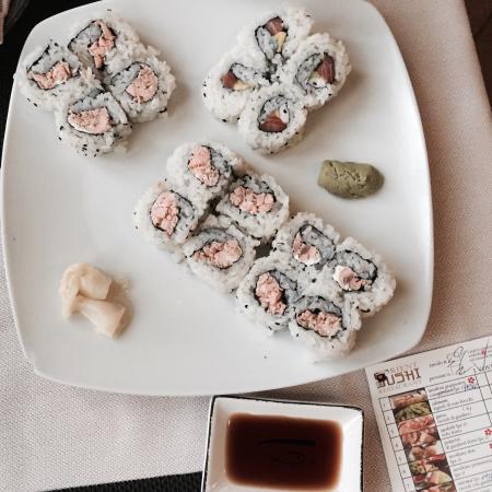 Portata Di Sushi Con Philadelphia E Salmone Picture Of