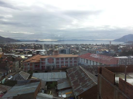 Hostal Helena Inn: Vistas de Puno desde el hotel